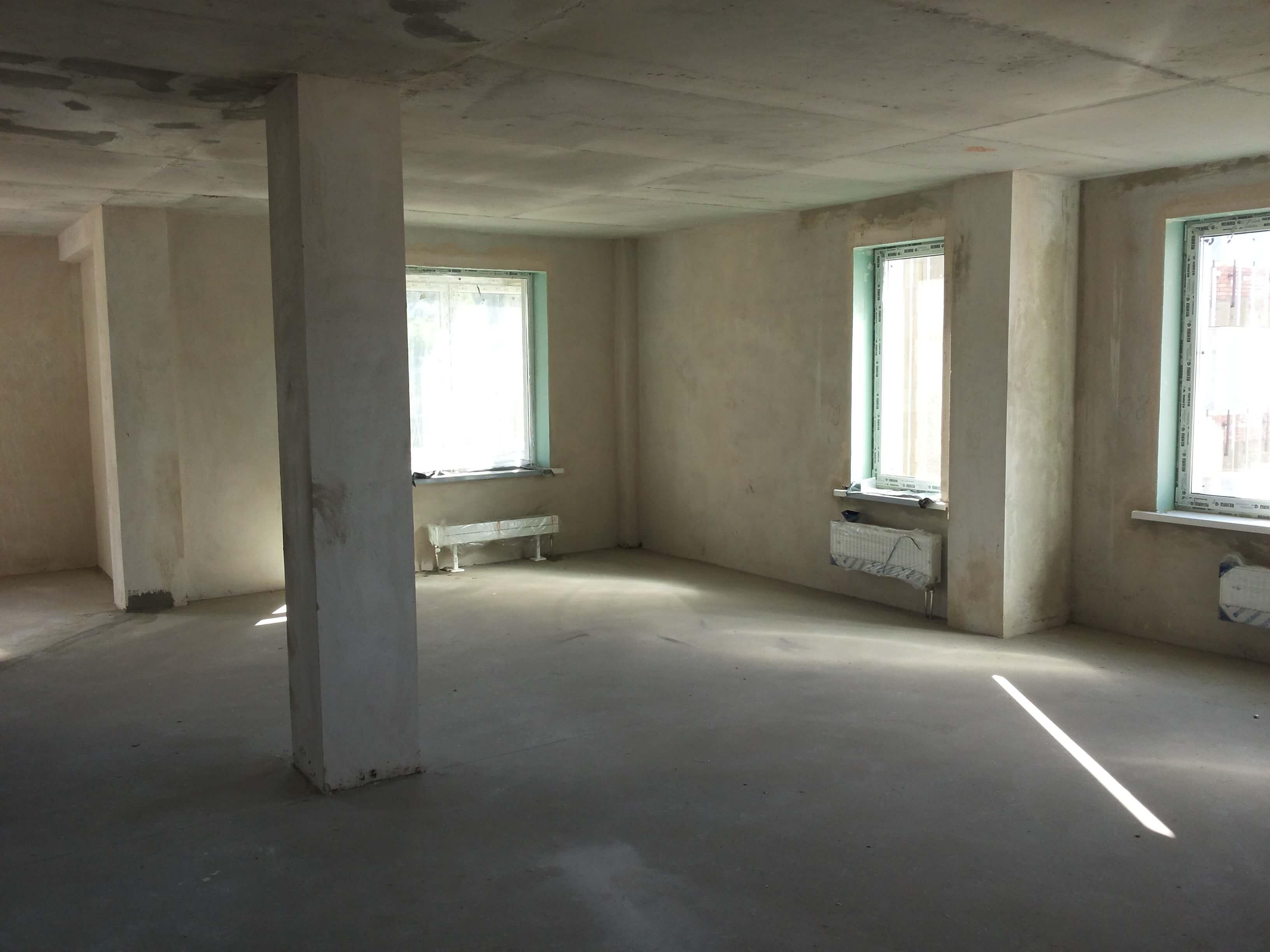 колона в гостиной