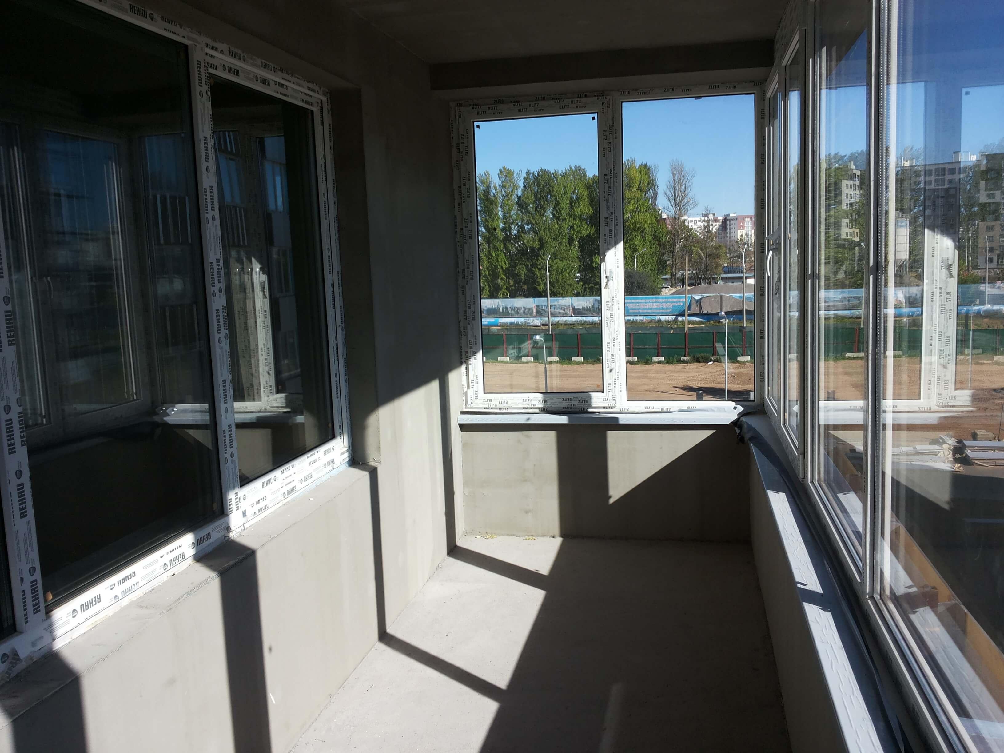 балкон до ремонта