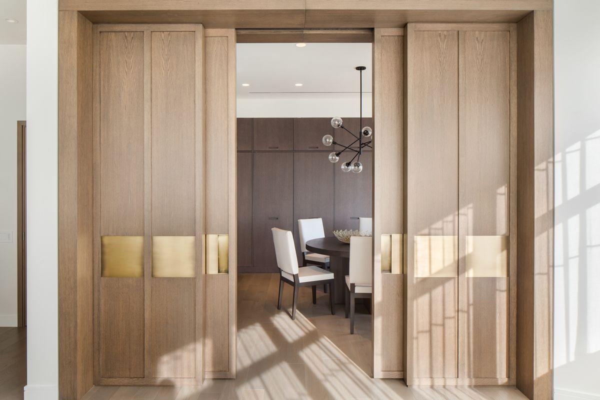 Зонирование пространства в интерьере: 5 самых популярных приемов, раздвижные двери