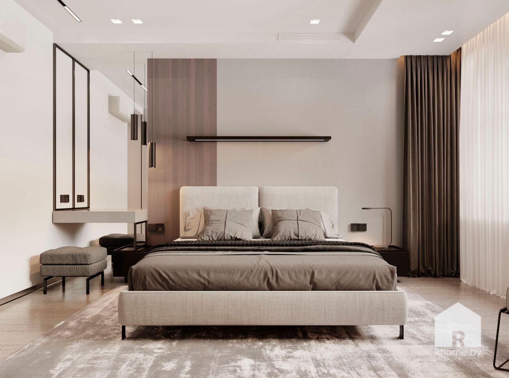 Двуспальная кровать с светлой спальной комнате.